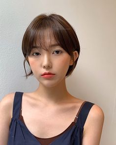 Short Hair Cuts For Women, Girl Short Hair, Korean Short Hair Bob, Pop Hair, Half Shaved Hair, Shot Hair Styles, Look Girl, Asian Hair, Cut My Hair