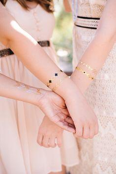 Boho glam wedding ideas | Photo by Jenna Bechtholt Photography | Read more - http://www.100layercake.com/blog/?p=79717 #tattoos #bridesmaids
