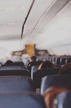 de sfeer van het reizen per vliegtuig met een speciale bestemming in zicht. http://www.pinterest.com/pin/344736546448844508/