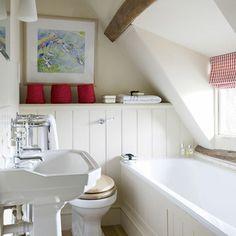 kleines bad einrichten badideen dachfenster vintage atmosphäre