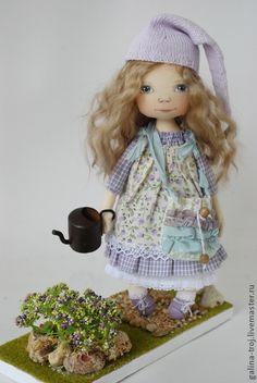 Коллекционные куклы ручной работы. Ярмарка Мастеров - ручная работа Цветочная Гномочка в сиреневом. Handmade.