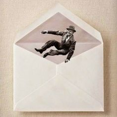 Bella Y Perversa- Express Mail