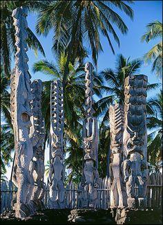 Ki'i at Hale O Keawe Heiau, Pu'uhonua O Honaunau National Historical Park, South Kona, Island of Hawaii.