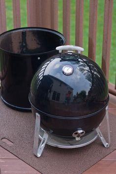Using a Weber Smokey Mountain Smoker as a Tailgate charcoal grill… Charcoal Smoker, Best Charcoal Grill, Weber Charcoal Grill, Bbq Charcoal, Weber Grill, Bbq Grill, Authentic Philly Cheese Steak Recipe, Green Egg Grill, Charcoal Briquettes