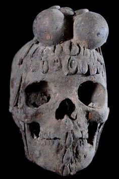 D'après des sources locales FON (prêtre du vodun Gambada au Bénin) ces reliques étaient principalement utilisées par les Ada, pour des rituels de