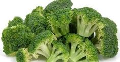 Steamed Broccoli tips. Eat broccoli fresh or steamed. Enjoy an abundant source of anti-oxidants and vitamins in this cruciferous vegetable. Fresh Broccoli, Broccoli Salad, Broccoli Health Benefits, High Protein Vegetables, Fresh Vegetables, Low Carb Grocery, Healthy Life, Health Tips, Healthy Recipes