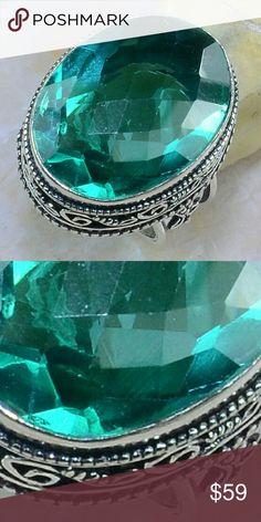 Green Quartz 925 Silver Ring size 7 3/4 Gorgeous Green quartz ,925 Silver ring size:7 3/4 main gemstone 18*25mm Jewelry Rings