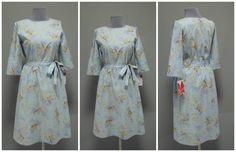 Светло-голубое платье с золотыми птичками | Платье-терапия от Юлии