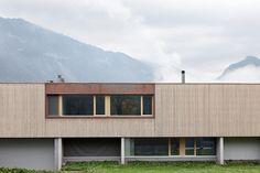 House with showroom by ao-architekten ZT-GmbH