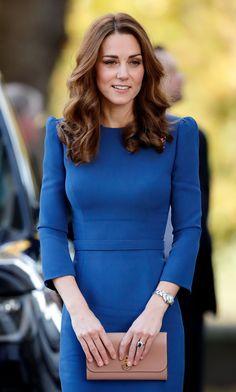 Kate Middleton, Duchess of Cambridge, in cobalt blue Kate Middleton Outfits, Kate Middleton Stil, Princess Kate, Princess Charlotte, Prince And Princess, Prince William And Kate, William Kate, Duke And Duchess, Duchess Of Cambridge