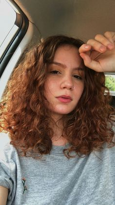 Natural Wavy Hair, Short Wavy Hair, Natural Hair Styles, Curly Ginger Hair, Auburn Hair, Hair Goals, Red Hair, Hair Inspiration, Your Hair