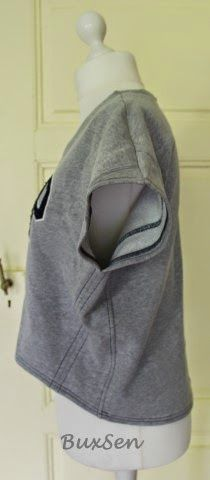Japan-Leibchen aus altem Sweatshirt / Japanese shirt made from old sweater / Upcycling