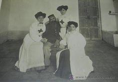 ANTIGUA FOTOGRAFIA GUERRA DEL RIF, ENFERMERAS DE LA CRUZ ROJA Y HERIDO EN EL HOSPITAL DE CABAÑAL (CA - Foto 1