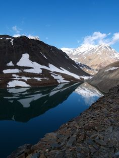 This amazing place is called Suraj Tal Lake or also known Surya taal, is a sacred body of water and lies just below the Baralacha-la pass in the Lahaul and Spiti valley of Himachal Pradesh, India. It is the third highest lake in India.    #TravelToIndia | #Lake | #HimachalPradesh ( Pic by flickr user Sriram Kalyanasundaram)