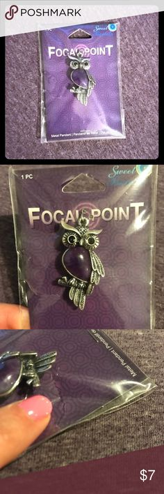 🆕Metal Owl Pendant 🦉 Never Opened 🆕Metal Owl Pendant 🦉 Still in original packaging! Brand new!! The chest of the owl is purple! This is a gorgeous piece!! Minor tear in packaging from storage but never opened. Bundle this item today! 😍😍 Focal Point Jewelry