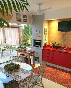 """613 curtidas, 42 comentários - Fernanda Pontelo (@fepontelo) no Instagram: """"Saturday night indahouse ❤️ #home #saturdaynight #decor #interiors #design #beachstyle #red #surf…"""""""