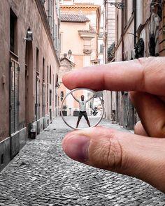 {Strike}  Una specie di Uomo Vitruviano de noantri  rigorosamente per le vie di Roma ovviamente.  W/ @wikoitalia #ScattataConWIM #WikoWIM#GameChanger #Piubellacosanonce#MeglioDellaRealtà #LiveAuthentic #Prospettive #Surreale#FotoDelGiorno