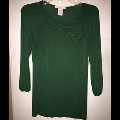 Design History (Anthropologie) green top small Great 3/4 sleeve top! Cool design! Lovely! Anthropologie Tops