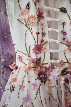 New embroidery clothes couture georges hobeika ideas Couture Embroidery, Embroidery Fashion, Embroidery Designs, Floral Embroidery, Beaded Embroidery, Gypsy Fashion, Floral Fashion, Couture Fashion, Moda Floral