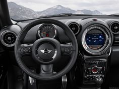 Developing maximum output of 90 kW/122 hp at 6,000 rpm and with peak torque of 160 Newton metres (118 lb-ft) available from 4,250 rpm, the engine powering the MINI Cooper Paceman also has what it takes to fuel plenty of sporty driving fun. The 0-100 km/h / 62 mph dash is all over in 10.4 seconds and top speed stands at 192 km/h / 119 mph. Average fuel consumption for the MINI Cooper Paceman in the EU test cycle is 6.0 l / 47.1 mpg imp, while CO2 emissions come in at 140 g.