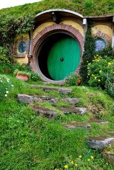 oh my this wee abode is just too cute! - hobbit house New Zealand
