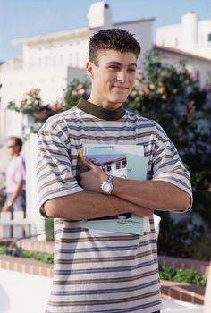 Brian Austin Green- Saison 4 - Beverly Hills 90210 - © Paramount HE Brian Austin Green, Beverly Hills 90210, 90210 Actors, Actors Then And Now, Jason Priestley, 90s Inspired Outfits, Jennie Garth, Luke Perry, Blonde Guys