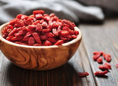 Forget energy drinks. These 7 energizing foods are way better than Redbull! (goji berries are just one on this health list)