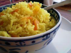 Arroz com curry e damascos