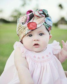 Baby girl photo shoot ideas. Head wrap