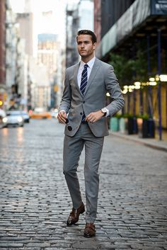 Elegant mens fashion suits lovely suit inspiration by rowan row Mens Boots Fashion, Mens Fashion Blog, Mens Fashion Suits, Mens Suits, Fashion Vest, Fashion Rings, Harvey Specter Anzüge, Style Brut, Terno Slim