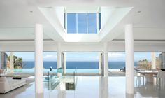 Make the most of the ocean views by implementing clever window framing. Bi-fold doors create a seamless transition. #dreamhome
