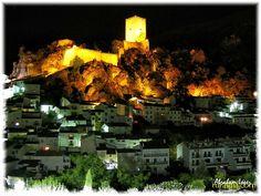 Cazorla - Casa Collazos - La ampliación de una tradicional casa de huerta situada en el pueblo de Cazorla, con unas vistas al castillo de la Yedra que nunca olvidará, donde podrá disfrutar de un espacio de más de 1.000 metros ...