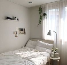 Discovered by 日の入り. Find images and videos about white, aesthetic and pa. - f l a t - i n s p o - Dorm Room Room Ideas Bedroom, Home Bedroom, Bedroom Decor, Bedrooms, Bedroom Crafts, Queen Bedroom, Bedroom Lighting, Bedroom Themes, Girls Bedroom