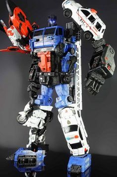 Defensor Custom Transformers Generation 1 Combiner by JCartwork