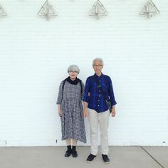 Matching Couple Outfits, Matching Couples, Cute Couples, Advanced Style, Over 50 Womens Fashion, Gingham Check, Aging Gracefully, Elegant Woman, Old Women