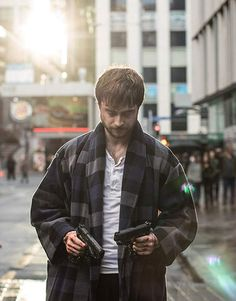 Guns Akimbo Daniel Radcliffe Coat is new arrival at our store. This Wool Blend Coat is worn by Daniel Radcliffe as Miles. What If Daniel Radcliffe, Action Comedy Movies, Mary Johnson, Tyler Posey, Movie Stars, Harry Potter, Guns, Coat, Samara