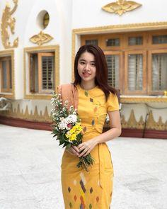 Daddy's birthday morning 👨👩👧 Dress Design Patterns, Traditional Dresses Designs, Burmese Girls, Myanmar Dress Design, Myanmar Women, Myanmar Traditional Dress, Thai Dress, Mandalay, Beautiful Asian Girls