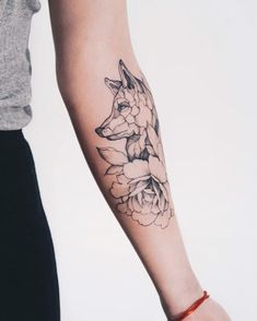My foxy and peony tattoo - diy tattoo project Wolf Tattoos, Finger Tattoos, Taurus Tattoos, Body Art Tattoos, Tatoos, Tree Tattoos, Delicate Tattoo, Subtle Tattoos, Feminine Tattoos