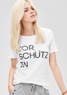T-Shirt im Fußball-Look von s.Oliver. Entdecken Sie jetzt topaktuelle Mode für…