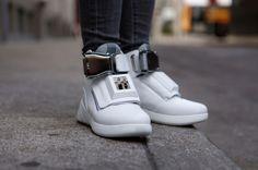 LCCヴァージン・アメリカ、世界にただ1足だけの『ファーストクラスの靴』を開発   AdGang