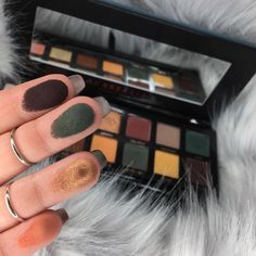 High end beauty products: ABH subculture palette the perfect fall eyeshadow palette thanks to its cool tone shadows.