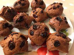 Máte chuť na sladké, ale nechcete kalorickú bombu, akou je väčšina koláčov? Vyskúšajte si špaldový koláčik s brusnicami, ktorý obsahuje len minimum cukru a zároveň prospeje aj vášmu zdraviu. Zdraviu prospieva špaldová múka vo veľkej miere podporuje správne fungovanie metabolizmu, zatiaľ čo biela múka sa usádza na steny čriev, čím negatívne pôsobí na naše trávenie.