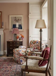 Funky arm chair - mis match furniture A living room decorated by Ben Pentreath with a floral armchair and ikat lampshade Interior, Home, Living Room Decor, Room Inspiration, House Interior, Room Decor, English Decor, Interior Design, Home And Living