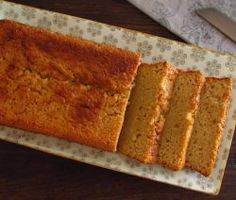 Image of Apple, lemon and cinnamon cake | Food From Portugal