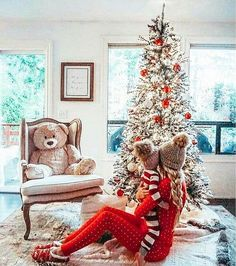 How to nail family Christmas photo? Fun photoshoot ideas family christmas photo, Family christmas photoshoot, how to nail the family … Funny Christmas Pictures, Christmas Trees For Kids, Family Christmas Pictures, Holiday Pictures, Babies First Christmas, Christmas Baby, Christmas Humor, Christmas Tree Decorations, Christmas Holidays