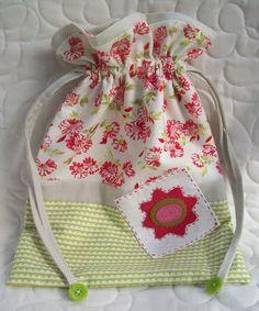 AUNTIE'S QUAINT QUILTS  Love the fabric combination