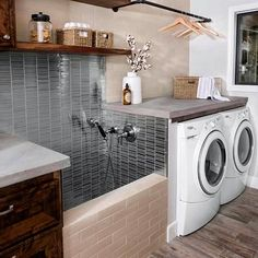 38 Functional And Stylish Laundry Room Design Ideas To Inspire. 33 Functional And Stylish Laundry Room Design Ideas To Inspire. Have a look at this incredible collection of laundry room design ideas that are functional, stylish and full of inspiration. Washroom Design, Laundry Room Design, Laundry Room With Sink, Mudroom Laundry Room, Laundry Room Ideas Garage, Laudry Room Ideas, Farmhouse Laundry Rooms, Vintage Laundry Rooms, Modern Laundry Rooms