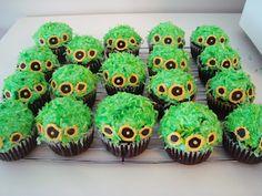 Hobbit hole birthday cupcakes
