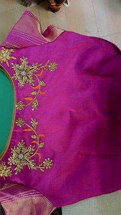 Blouses Hand Work Blouse Design, Simple Blouse Designs, Sari Blouse Designs, Bridal Blouse Designs, Blouse Patterns, Blouse Models, Indian Designer Wear, Sarees, Ahmedabad