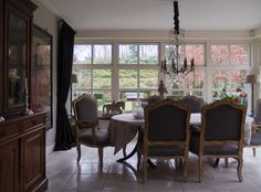 Art Nouveau Elegance on the Outskirts - traditional - dining room - other metro - in3interieur